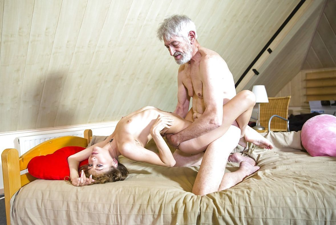 Старые члены и молодые, Порно старый и юная видео HD бесплатно гиг порно 10 фотография